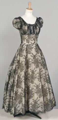 ce37632215dd82 Christian Dior Haute couture, circa 1950 Vintage Fashion 1950s, Vintage Dior,  Vintage Couture