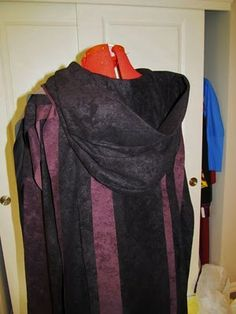 Crafters In Disguise: A Pattern-Free Hood for a Fantasy Cloak