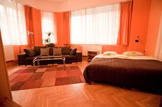 We offer a spacious, renovated and elegant two-bedroom apartment in Király utca for sale. The area has always been a melting spot of tourists and loca...