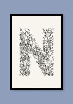 Size: A2 (42 x 59,4 cm)DyrealfabetetHvert illustration er et bogstav, der består af tegninger af et dyr, hvis navn starter med bogstavet, så 'E' er lavet med elefanter, 'A' med alligatorer ...