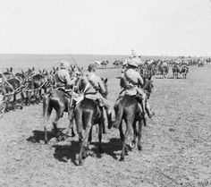 Mounted British troops and wagons of Redvers Buller's relief column advance on Ladysmith Feb 1900