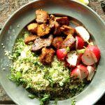 Zöldfűszeres kuszkusz pikáns csirkefalatokkal Kung Pao Chicken, Guacamole, Chicken Recipes, Paleo, Turkey, Mexican, Meat, Ethnic Recipes, Lunch Ideas