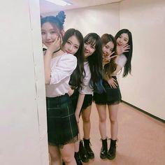 [Pristin] Sungyeon, Rena, Kyla, Nayoung & Xiyeon at Music Bank