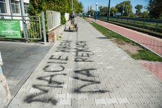 """Napis pod ZUS-em: """"Macie krew na rękach"""" - Aktualności - LoveKraków.pl Heart Rate"""