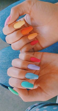 The Most and Glamorous Nail Art Designs For Girls Round nails art is so nice! That's why we found the best nails to motivate you and take you to the local nail salon as… Best Acrylic Nails, Acrylic Nail Designs, Aycrlic Nails, Coffin Nails, Fire Nails, Rainbow Nails, Nagel Gel, Pastel Nails, Colorful Nails