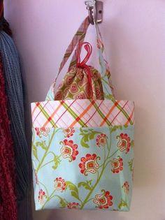 Pink Penguin:  Lunch Bag Tutorial - via @Craftsy