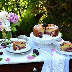 Κερασόπιτα ή απλά Κέικ με κεράσια