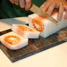 Artesanato - NippoBrasil .::. Barra de sabonete com favo de mel