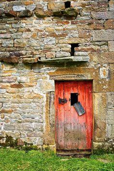 Red Barn Door 1 by *gavinappleby on deviantART