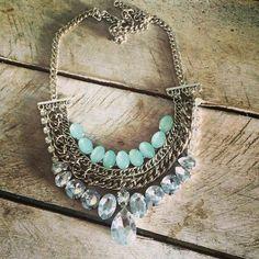 Pechera XS - Comprar en Joaquinhas Indian Jewelry, Boho Jewelry, Jewelry Art, Jewelery, Jewelry Necklaces, Beaded Necklace, Jewelry Design, Unique Jewelry, Ethnic Jewelry