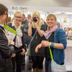 Das Finale des DIY-Bloggercontests auf der h+h in Köln: http://www.kreativlaborberlin.de/wunder-gibt-es-immer-wieder-das-finale-des-diy-bloggercontests-auf-der-hh-in-koeln/