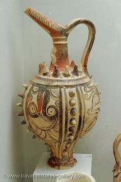Pictures of Greece - Crete - Heraklion - Knossos - Minoan pottery, Archeological Museum