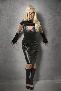 Shanks Knitwear Set: Hood, Armwarmer, Legwarmer Black  © alexreinprecht.at Leather Dresses, Leather Skirt, Good To See You, Shank, Leg Warmers, Knitwear, High Heels, Leggings, Sexy