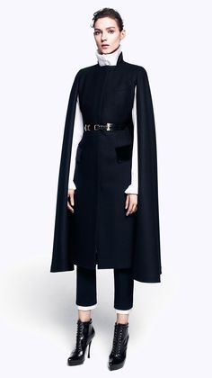 Cape Alexander McQueen - Collection Automne Hiver 2012.