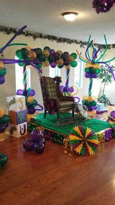 Mardis Gras Cake Decorations