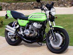 Built for Looks, Not for Speed Triumph Motorcycles, Cool Motorcycles, Vintage Motorcycles, Motocross, Motorcross Bike, Kawasaki Cafe Racer, Kawasaki Motorcycles, Moto Cafe, Retro Motorcycle