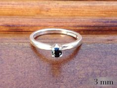 Black gemstones are so beautiful, and this Black Spinel is no exception. Perfect as an alternative to Black Diamonds #blackdiamond #jewelry #engagementring