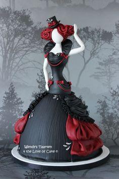 Gorgeous mannequin/dress cake :)