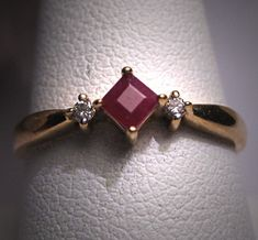 Vintage Ruby Ring Diamond Wedding Ring Gold by AawsombleiJewelry Gold Ring Designs, Gold Earrings Designs, Gold Jewellery Design, Gold Engagement Rings, Diamond Wedding Rings, Diamond Rings, Opal Rings, Gold Jewelry Simple, Gold Rings Jewelry