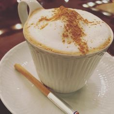 The meeting venue suddenly changed. It's too bad that I had to leave half cup of this #cappuccino ... #coffee #bulletproofdiet #bulletproofcoffee #diet #health #beauty #コーヒー #完全無欠ダイエット #コーヒー #最強の食事 #ダイエット #健康 #美容 #life #cafe #shinjuku #tokyo by onebeautyproject