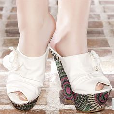 Wedges woman white leather inside elasthomère heels 15 cm size 38, on line shop Modatoi. buy shoes on website modatoi.co.uk.