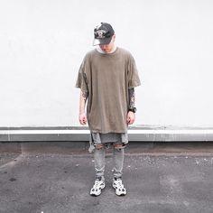 190 vind-ik-leuks, 6 reacties - FamilyGangLove #fglclothing (@__fgl) op Instagram: 'Grey tank || khaki tee || grey ripped pants (denim season) - SEASON II on @dima_bychick…'