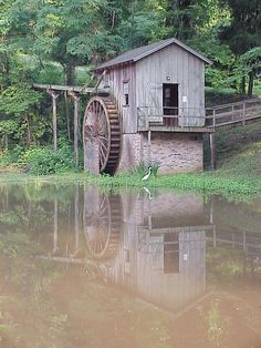 Old Watermill -Natchez Trace, Port Gibson, Claiborne County, Mississippi Old Grist Mill, Natchez Trace, Water Mill, Old Barns, Travel Usa, Hawaii Travel, Le Moulin, Old Buildings, Covered Bridges