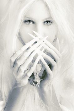 Fantasy | Magic | Fairytale | Surreal | Myths | Legends | Stories | Dreams | Adventures | White Witch | Skull |