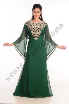 Zari Stone Work Green Kaftan is one of the most loved dress among women. It is a perfect to wear for parties. If you are looking to shop this Green Kaftan then Visit Mirraw Online Store where it is offered at great prices. Frock Fashion, Arab Fashion, Vestidos Gg, Abaya Designs, Moroccan Dress, African Fashion Dresses, Embroidery Dress, Party Wear, Designer Dresses