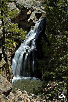 Jemez Falls by isaac.borrego, via Flickr; Sierra de Los Pinos, New Mexico