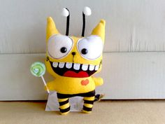 Benzzy the bumble bee cat by zeropumpkin on Etsy, $32.00