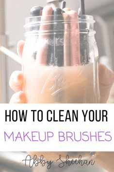 How to clean your makeup brushes in a simple way using minimal products! Learn how to deep clean, spot clean, and transition between color. Makeup brushes How to clean makeup brushes Makeup for beginners Makeup Tips Makeup Tricks Make Makeup, How To Clean Makeup Brushes, Makeup For Teens, Makeup Brush Set, Makeup Kit, Makeup Tools, Candy Makeup, Makeup Ideas, Makeup Brush Cleaning