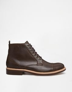 New Look Boot with Toe Cap Detail