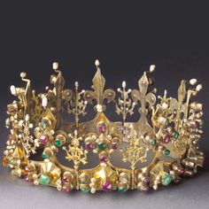 Crown of Zadar; Given to Elizabeth of Bosnia by King Louis I of Hungary. Elisabeth of Bosnia - 16 Jan She was Queen of Poland & Hungary, married King Louis I King of Poland & Hungary. Crown in yellow gold w/primarily emeralds & rubies. Royal Crowns, Royal Tiaras, Crown Royal, Tiaras And Crowns, The Crown, Medieval Jewelry, Family Jewels, Royal Jewelry, Circlet