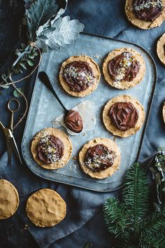 artful desperado - crumbly peanut butter cookies with chocolate ganache and banana sugar