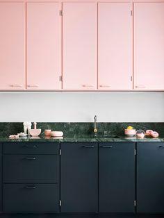 Kitchen design color - color story the palest pink – Kitchen design color Black Kitchens, Home Kitchens, Pink Kitchens, Remodeled Kitchens, Colorful Kitchens, Kitchen Black, Kitchen Colors, Kitchen Decor, Kitchen Ideas