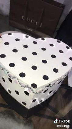 Birthday Gifts For Boyfriend Diy, Cute Boyfriend Gifts, Cute Birthday Gift, Birthday Diy, Diy Best Friend Gifts, Birthday Gifts For Best Friend, Bff Gifts, Diy Gifts Videos, Diy Crafts For Gifts