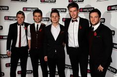 Collabro tweet blunder after they fail to show for Stockport Christmas Lights switch-on - Manchester Evening News