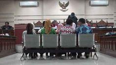 9 Karyawan Bank Jatim Terdakwa Kasus Kredit Fiktif  Divonis 1 Tahun  Penjara
