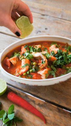 Vistajine met kabeljauw - Little Spoon - Vistajine met kabeljauw. Tajin Recipes, Fish Recipes, Seafood Recipes, Vegetarian Recipes, Cooking Recipes, Healthy Recipes, Tajine Le Creuset, Healthy Diners, Pesco Vegetarian