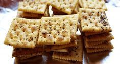 These crackers! These really are delicious and so simple to make. I really don't know what happens in the oven to make these little numbers so otherworldly…but something definite… Seasoned Crackers, Cream Crackers, Sugar Donut, Bowl Of Soup, Cookies, Stick Of Butter, Clean Eating Snacks, Good Food, Fun Food