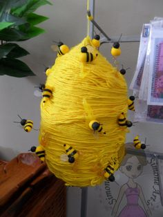 Easy valentine crafts for kids to make – Artofit Valentine Crafts For Kids, Summer Crafts, Diy Crafts For Kids, Art For Kids, Arts And Crafts, Bee Crafts, Preschool Crafts, Diy Niños Manualidades, Bee Activities