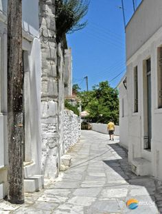 Photos of Apeiranthos village, Naxos, Greece See Photo, Greece, Island, Traditional, Photo And Video, Block Island, Islands, Grease