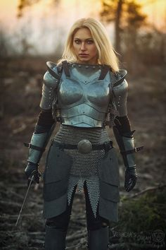 Jeanne D'Arc - Busters. Fantasy Female Warrior, Female Armor, Female Knight, Warrior Girl, Fantasy Armor, Warrior Princess, Female Warrior Costume, Armadura Medieval, Knight
