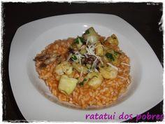 Risotto de pesto rosso com seafood  http://ratatuidospobres.blogspot.pt/2013/08/risotto-de-pesto-rosso-com-seafood.html