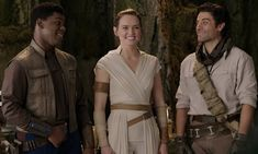 Daisy Ridley behind the scenes of Star Wars: The Rise of Skywalker Rey Star Wars, Star Wars Film, Rey And Finn, Finn Poe, Tv Shows Funny, Mark Hamill, Look At The Stars, John Boyega, Star Wars Episodes