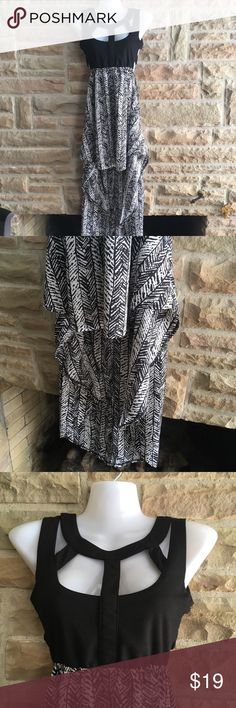 "💕👗Reverse Hi-Low Black & White Dress Sz S Reverse brand black & white hi-low dress. Stretchy waist, Strappy top. Size S. Excellent condition!   Approximate measurements: waist-22"" (stretches), bust-26"", shortest part-29"", longest part-48""  📦I ship within 24 hours 💵 20% off bundles of 2+ items ❤️ offers always welcome Reverse Dresses High Low"