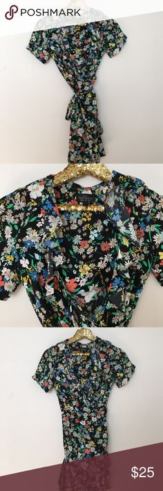 NEW TOPSHOP FLORAL WRAP DRESS Size 2 brand new Topshop Dresses