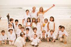 Foto com a criançada toda!  Maresias, SP. #wedding #beach #kids