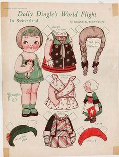 """Tout a commencé il y a un peu plus d'un an , quand j'ai trouvé ce fameux tissu """" paper dolls """" à Nantes . Je pensais que..."""